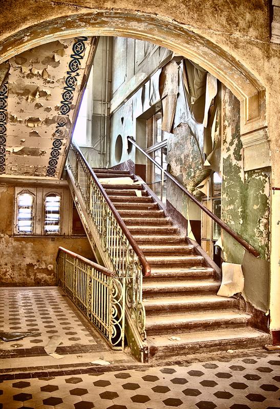 Treppenaufgang im Bettenhaus der Männerklink