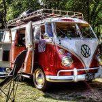 Einer alter T1 VW Bulli als Campermobil