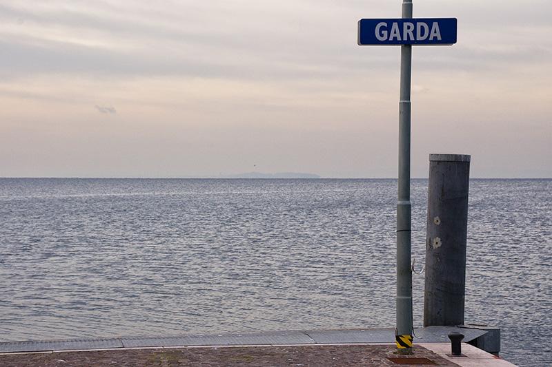 Blick von Garda auf den Logo di Garda