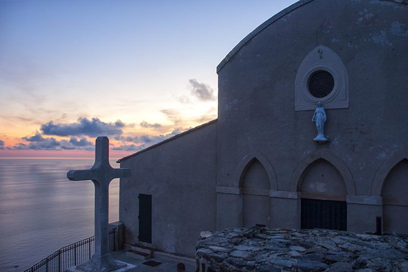 Notre-Dame du Mai in der Abendsonne des Mittelmeeres