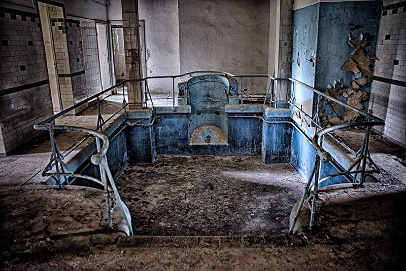 Tauchbad im Keller der Hauptgebäudes der Heilanstalt Hohenlychen
