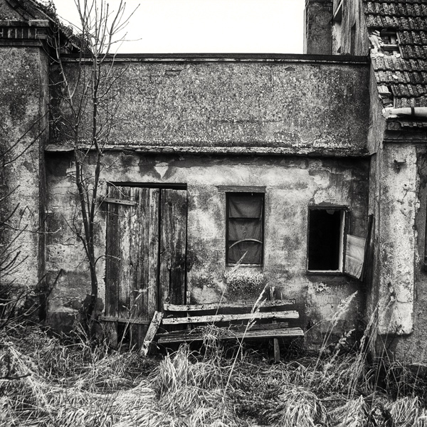 """Das fertige Schwarz Weiß Photo """"The litten bench"""""""